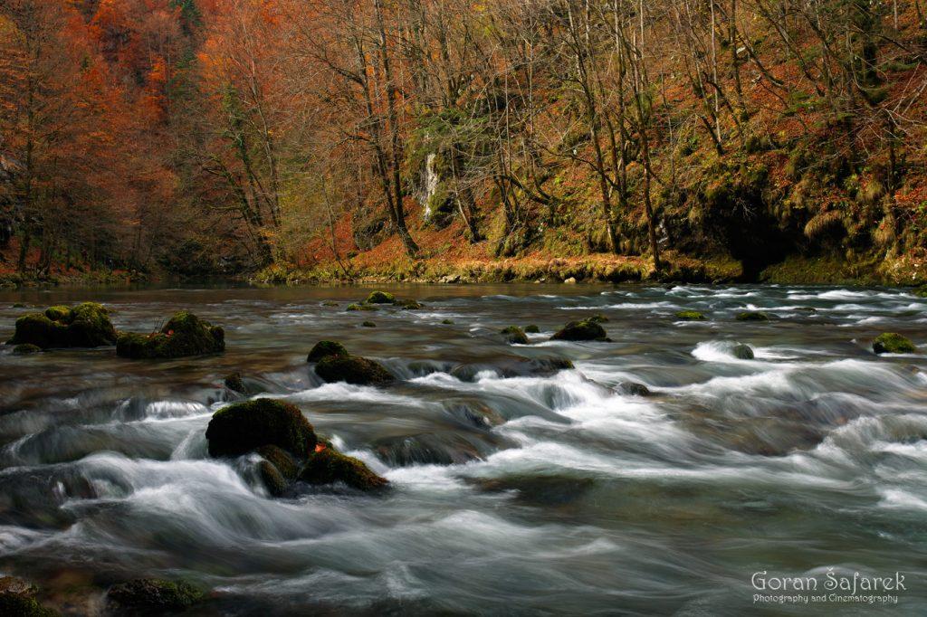 gorski kotar, Kupa, dolina, rijeka, jesen, vrelo, izvor, brzak, gorski kotar
