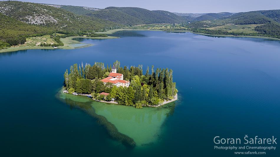 Krka, Dalmacija, rijeka, Šibenik, sedra, kanjon, slapovi, turizam, nacionalni park krka, Visovac, Visovačko jezero