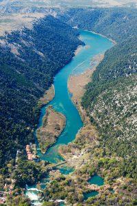 Krka, Dalmacija, rijeka, Šibenik, sedra, kanjon, slapovi, turizam, nacionalni park krka, estuarij